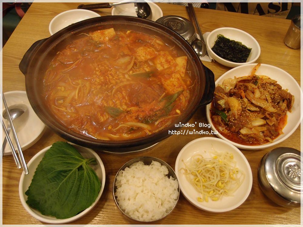釜山食記∥ 南浦洞。誠心食堂 정성식당 – 只賣三道菜的簡單食堂,卻有讓人著迷的美味魔力!一個人也可以吃