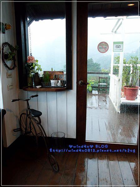 2012sunnyroom_027.JPG
