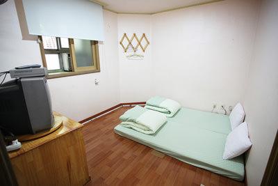 南山GH1 Twin room2.jpg