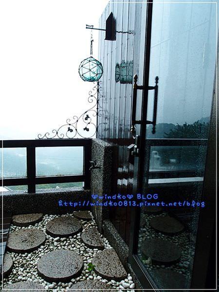 2012sunnyroom_073.JPG