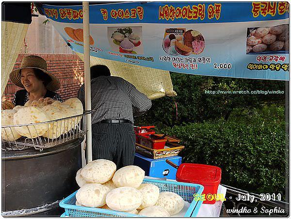 路邊攤小吃20-冰淇淋鬆餅.JPG